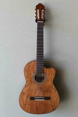 Francisco Navarro Jr. Tesoro Model Classical Guitar with Cutaway
