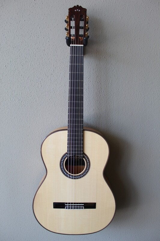 Cordoba F10 Flamenco Blanca Guitar