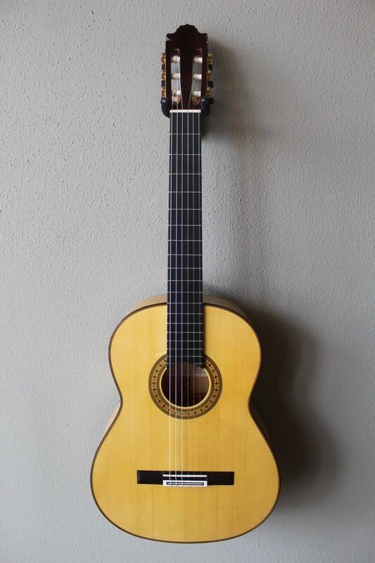 Francisco Navarro Vicente Amigo Signature Flamenco Blanca Guitar