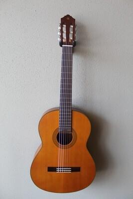 Yamaha CG122MCH Cedar Top Classical Guitar with Gig Bag