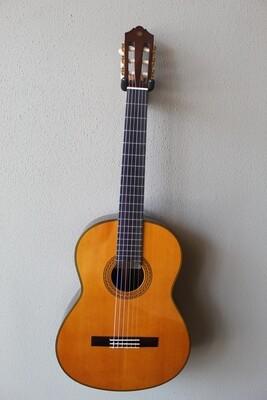 Yamaha CG192C Cedar Top Classical Guitar with Gig Bag