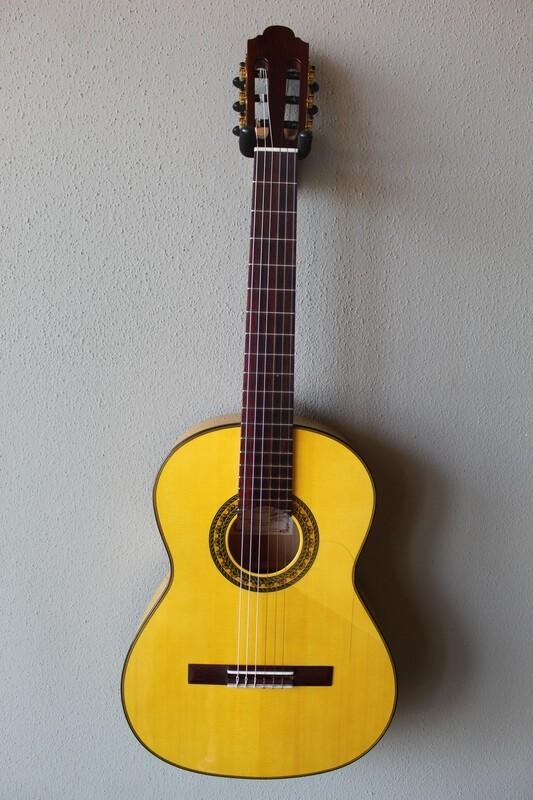 Marlon (Francisco) Navarro Flamenco Blanca Guitar - 630 Scale