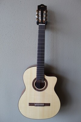 Cordoba C5-CE Acoustic/Electric Spruce Top Classical Guitar with Gig Bag