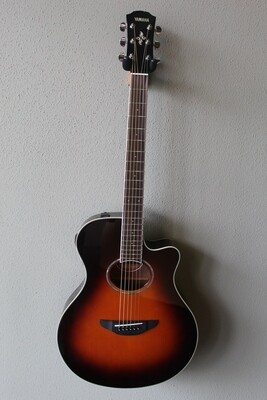 Yamaha APX600 Acoustic/Electric Guitar with Gig Bag
