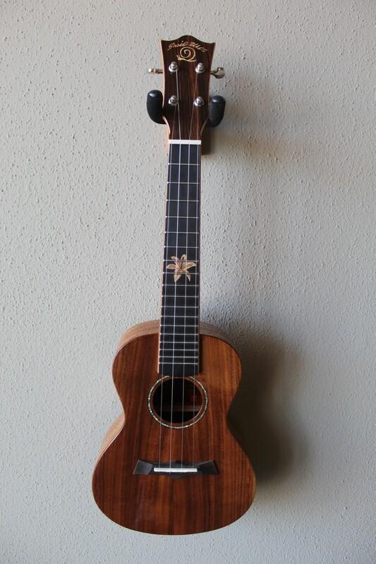 Amahi - Snail Ukes - Concert Size Ukulele - Model BH-8C - with Gig Bag