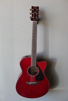 Yamaha FSX800C Concert Cutaway Acoustic/Electric Guitar with Gig Bag - Ruby Red