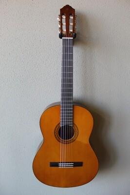 Yamaha C40 Nylon String Classical Guitar with Gig Bag