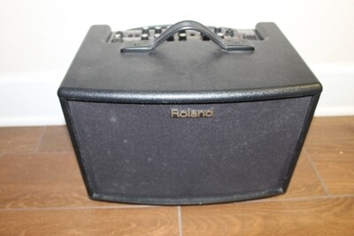 Used Roland AC-60 Acoustic Chorus Guitar Amplifier with Travel Bag