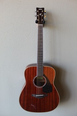 Yamaha FG850 Steel String Dreadnought Acoustic Guitar with Gig Bag