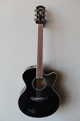 Yamaha CPX600 Medium Jumbo Cutaway Steel String Acoustic Guitar with Gig Bag - Black