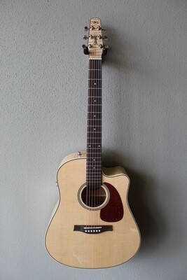 Seagull Performer Cutaway Flamed Maple Q1T Acoustic/Electric Guitar with Gig Bag
