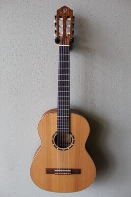 Ortega R122-3/4 Three Quarter Size Nylon String Classical Guitar with Gig Bag