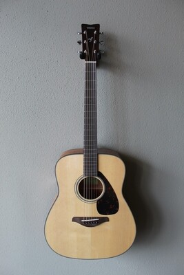 Yamaha FG800 Dreadnought Steel String Acoustic Guitar with Gig Bag