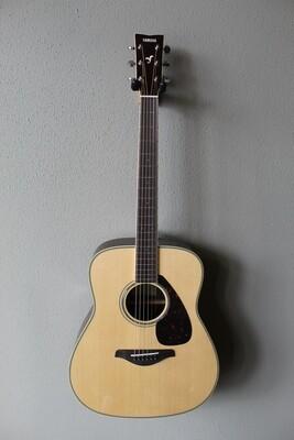 Yamaha FG830 Dreadnought Acoustic Guitar with Gig Bag - Natural