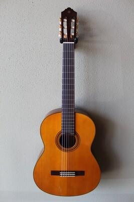 Yamaha CG162C Cedar Top Nylon String Classical Guitar with Gig Bag