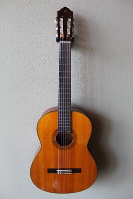 Yamaha CG142CH Nylon String Cedar Top Classical Guitar with Gig Bag