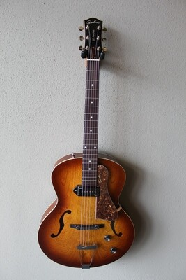Godin 5th Avenue Kingpin Hollowbody P90 Electric Guitar with Gig Bag - Cognac Burst