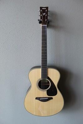 Yamaha FS830 Concert Steel String Acoustic Guitar with Gig Bag - Natural