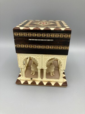 Alhambra Fountain and Palace Jewelry Box