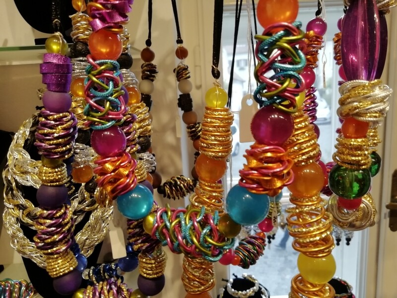 Necklaces with pearls and different colors - Handmade  by Corinna Kirchhof No.70