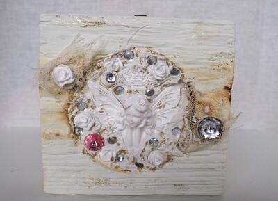 Feenbild in Holz-Stück