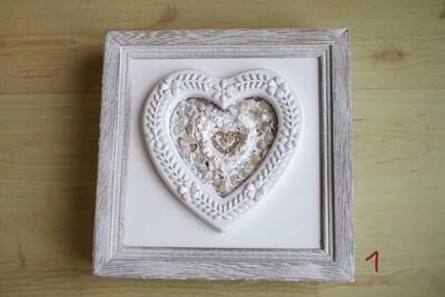 Holz-Box mit Herz