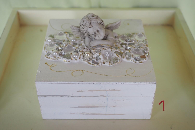 Holzböxli kunstvoll dekoriert