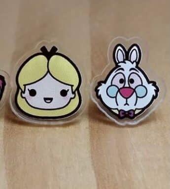 Coppia orecchini  Alice e Bianconiglio