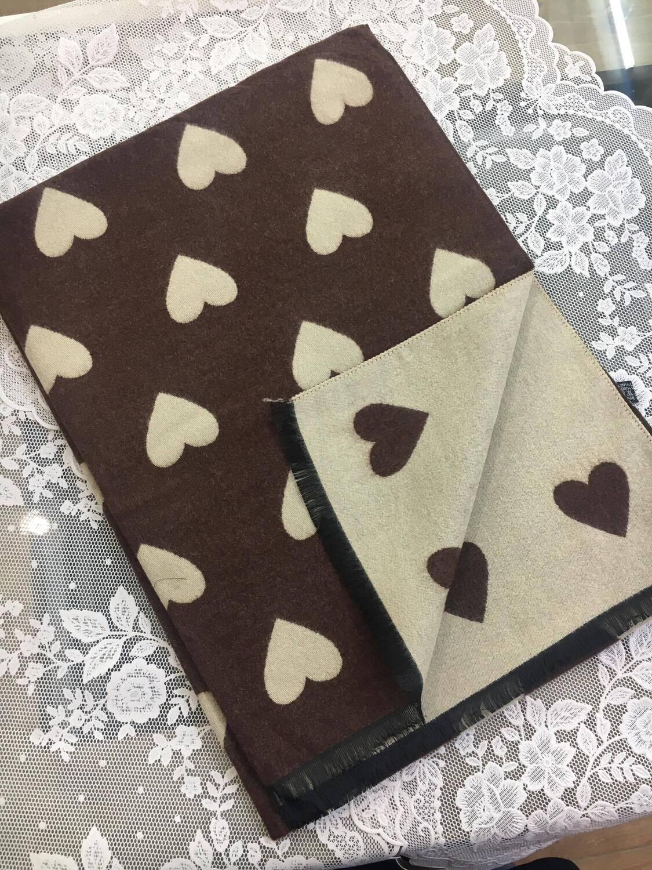 Sciarpa Cuori cioccolato e beige