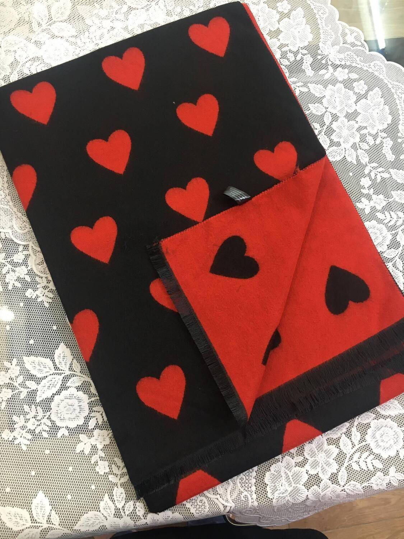 Sciarpa Cuori nero e rosso