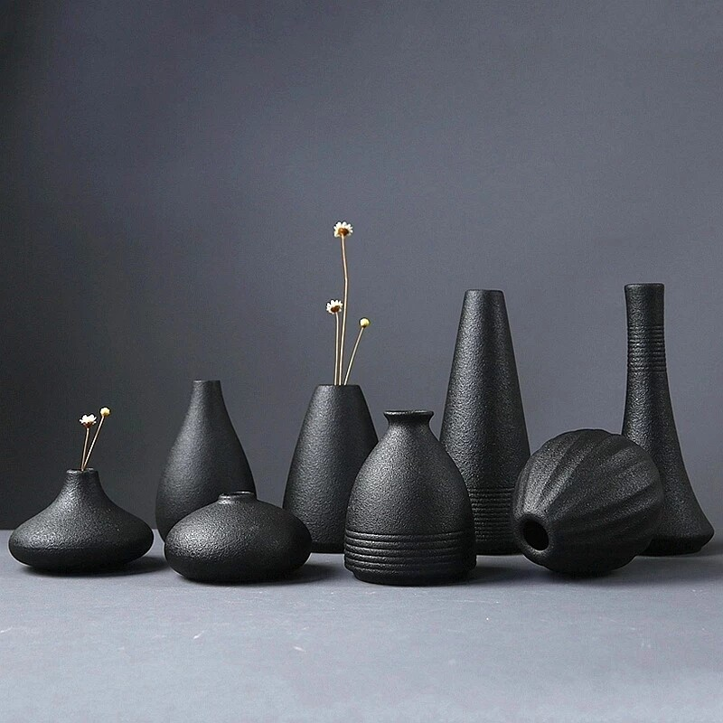 Le Bilboquet decorative vases