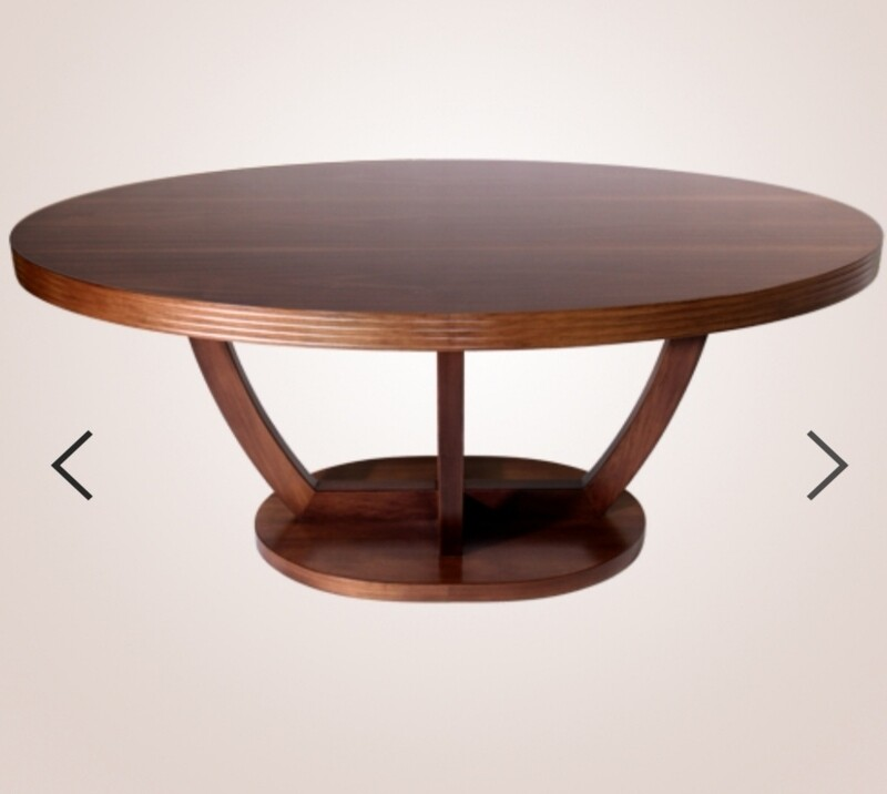 Curbe dining table