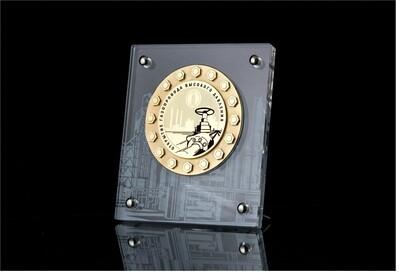 Индивидуальная медаль на подставке