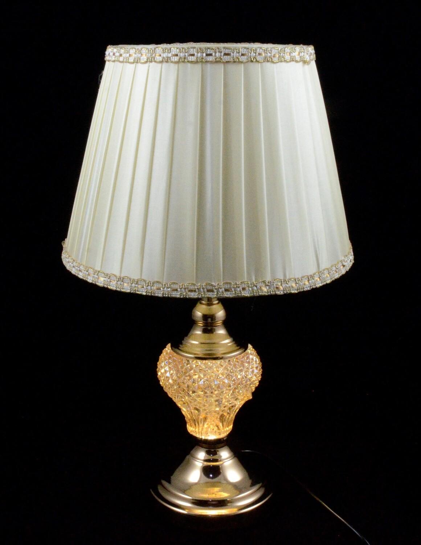 Лампа настольная, красивая