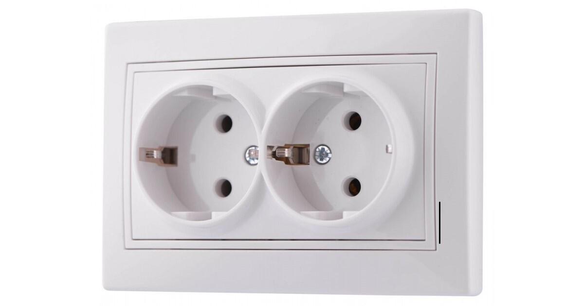 Электрическая розетка двойная с заземлением