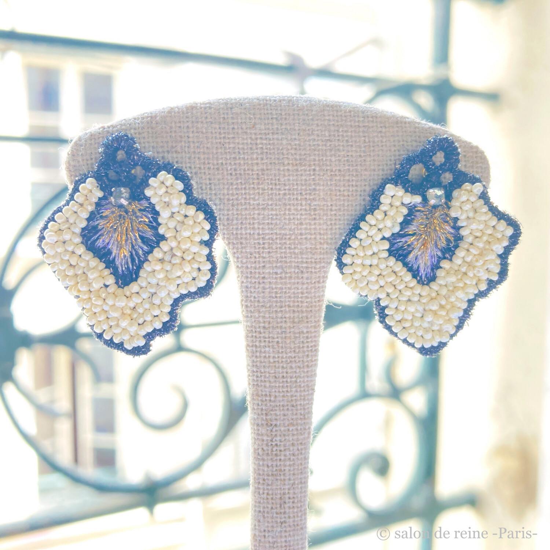 Boucles d'oreilles  -Pétales- Perles Vintage écru & violet
