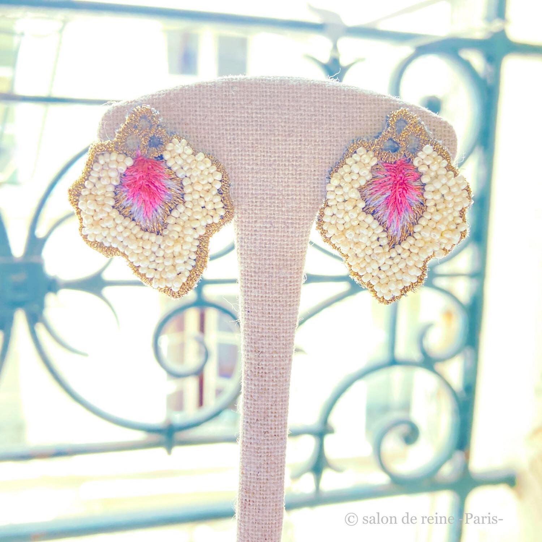 Boucles d'oreilles  -Pétales- écru & rose