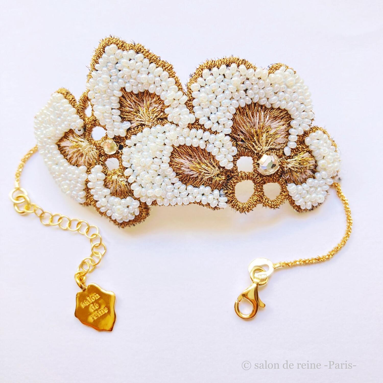 Bracelet -Alice- Perles Vintage  Cuisse de nymphe & or