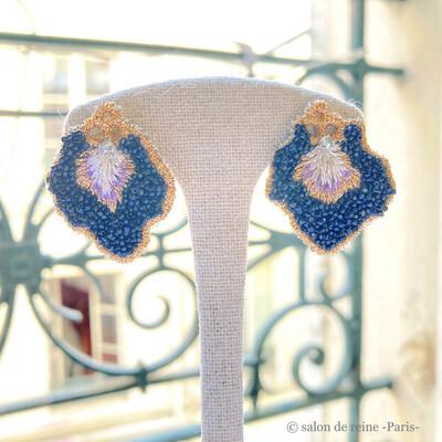 Boucles d'oreilles -Pétales- Perles Vintage noir & violet