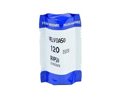 FUJIFILM Velvia 50 RVP, Format 120 Rollfilm expired 08/2017