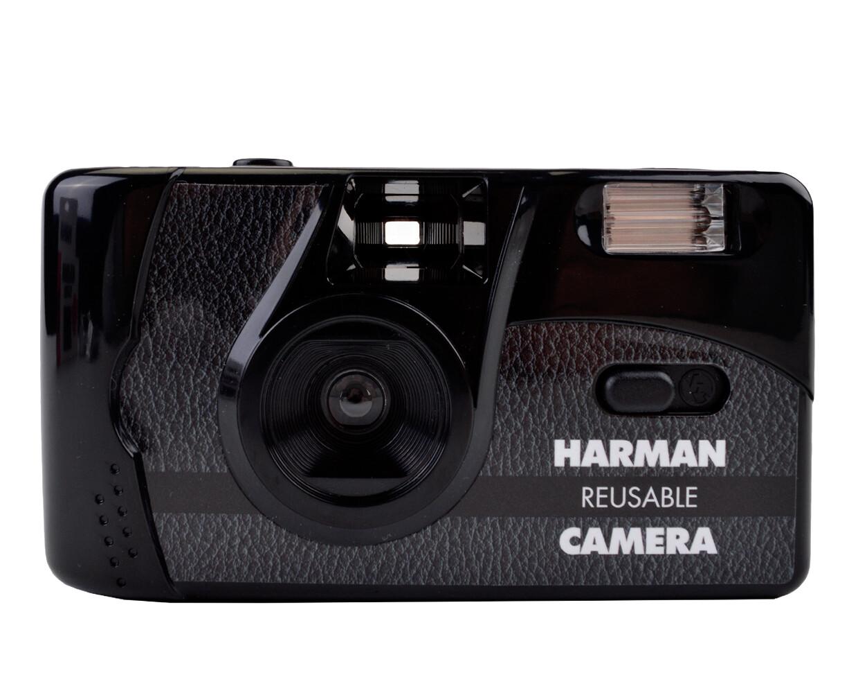 Kentmere Harman reusable 35mm camera with Flash + 2x PAN 400 Film