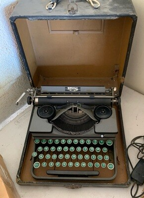 Antique Royal Typewriter Portable