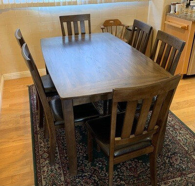 Ashley Furniture Puluxy Dining Room Table w/ 6 Chairs D340-425