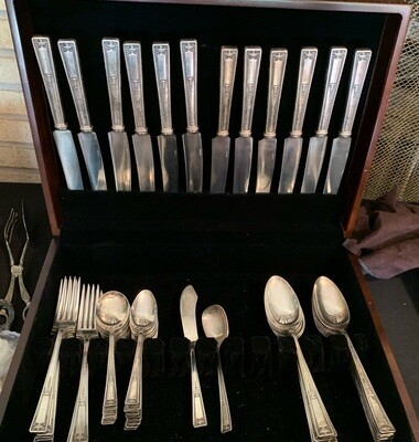 58 pc Wallace Buckingham Silverplate Flatware Set