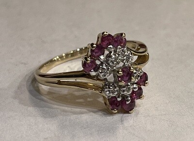 10k Gold Diamond & Garnet Cluster Ring SZ 6