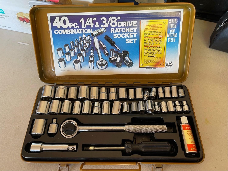 "40 pc 1/4"" & 3/8"" Drive Ratchet Socket Set"