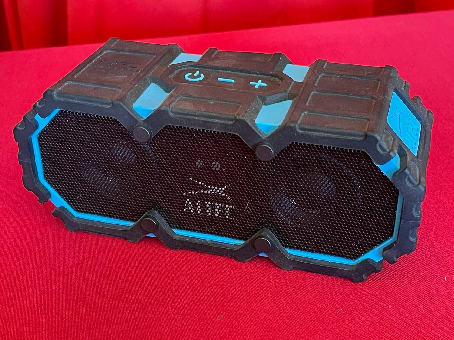 Altec life jacket Bluetooth speaker imw575