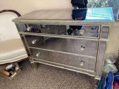 Mirror 3 drawer dresser