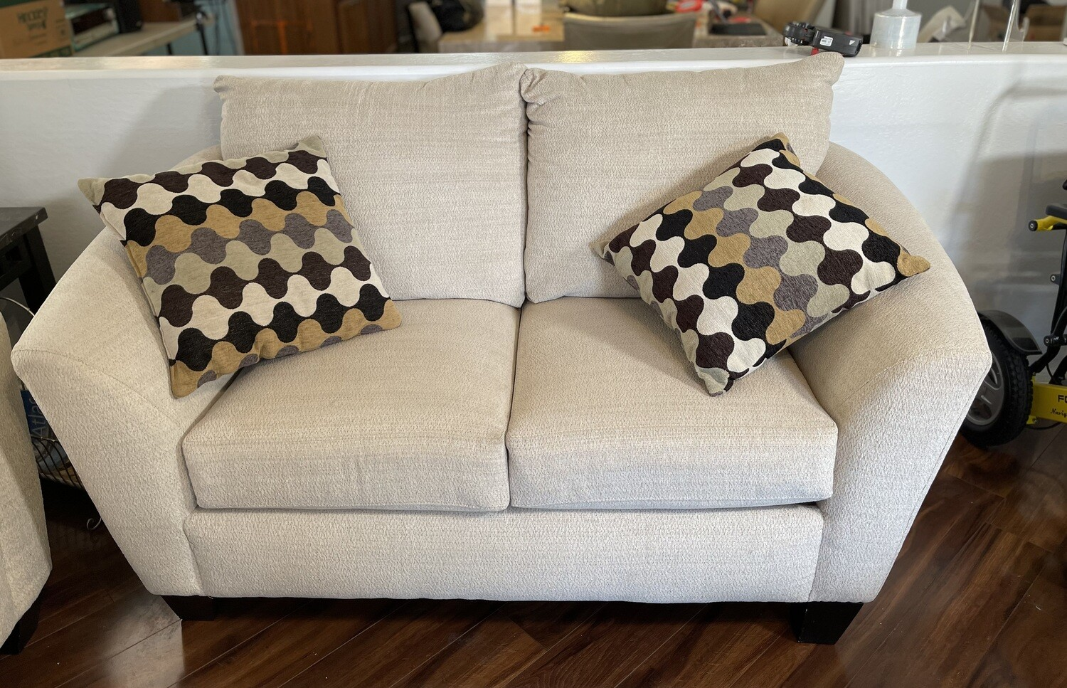 Simmons Contemporary Loveseat Sofa Couch