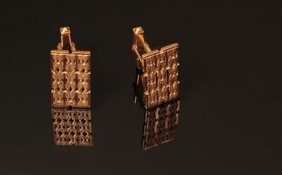 18k Solid Gold Rectangle designed Cufflinks.